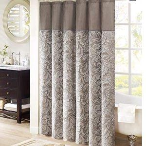 Madison park Aubrey fabric paisley shower curtain